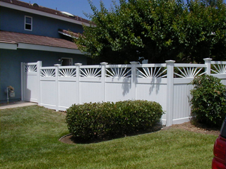 Exellent Fences For Big Dogs With Design Decorating